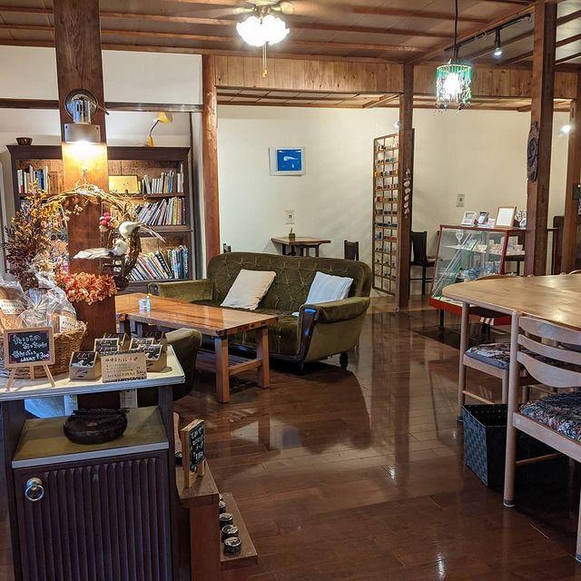 interior tereya cafe